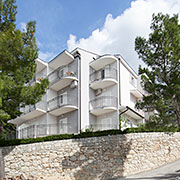 Apartments GIN, Brela